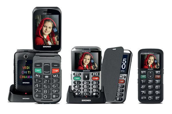 Cellulare per anziani: a conchiglia o standard con tastiera a vista